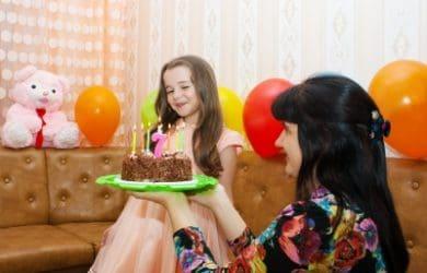 Descargar gratis frases de feliz cumpleaños para mi sobrina, dedicatorias para mi sobrina que está de cumpleaños,compartir mensajes de cumpleaños para enviar gratis a mi sobrina, descargar gratis dedicatorias de cumpleaños para mi sobrina, enviar nuevos pensamientos de cumpleaños para mi sobrina