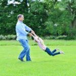 Dedicatorias por el día del padre, descargar saludos para un padre soltero en su día